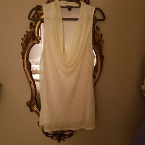 Sleeveless blouse white and soft yellow
